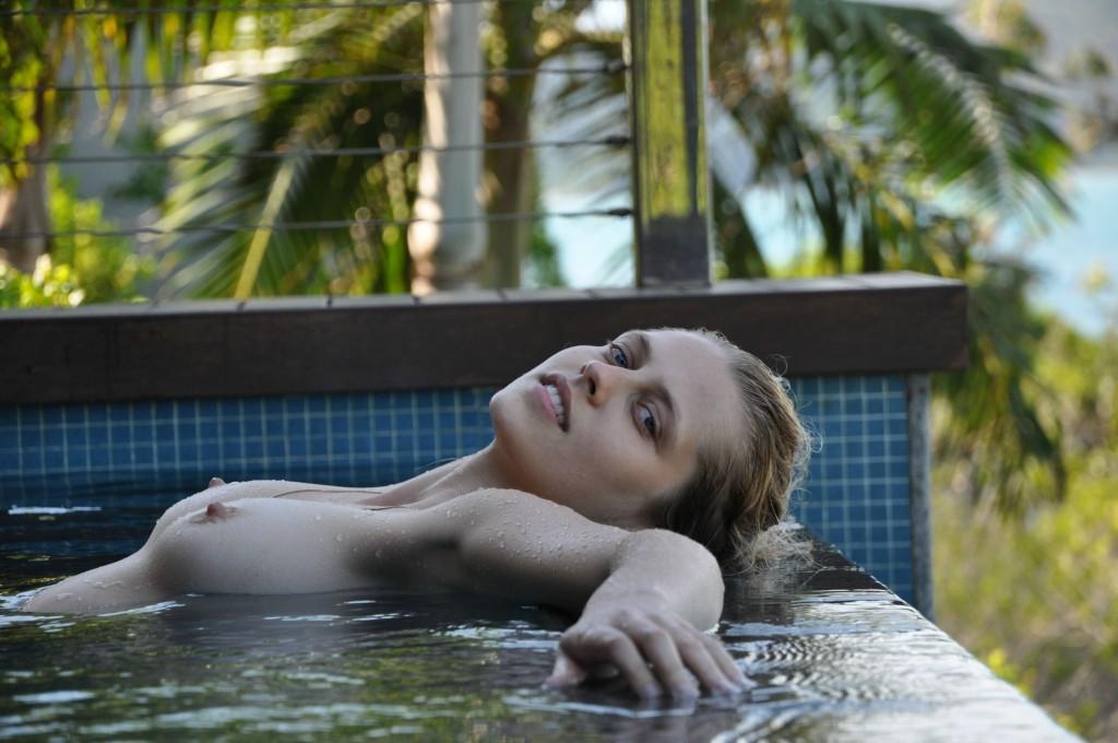 Teresa Palmer Topless Pic...