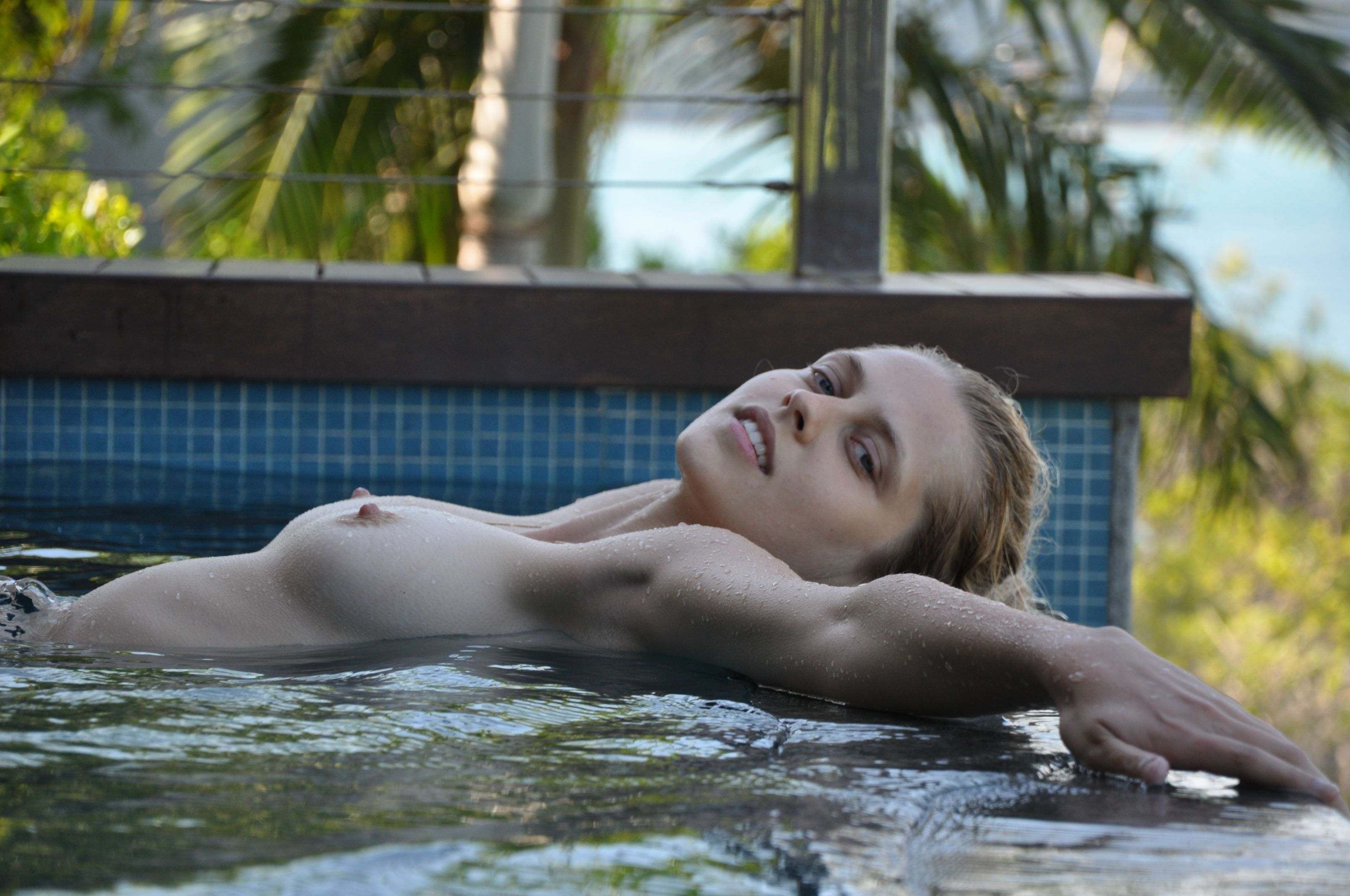Teresa Palmer Nude Pics!