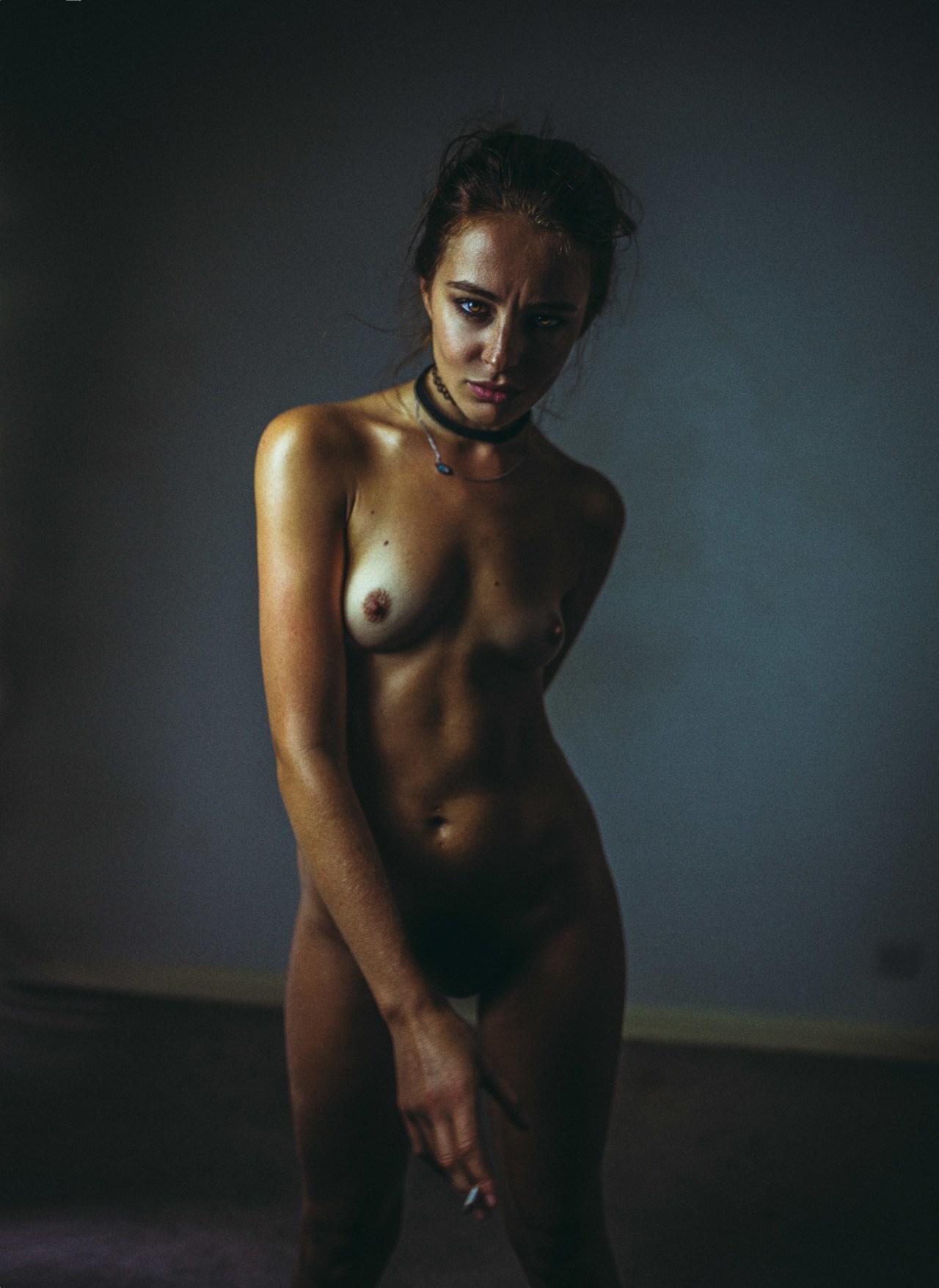 Tess Georgia Dimos Nude P...