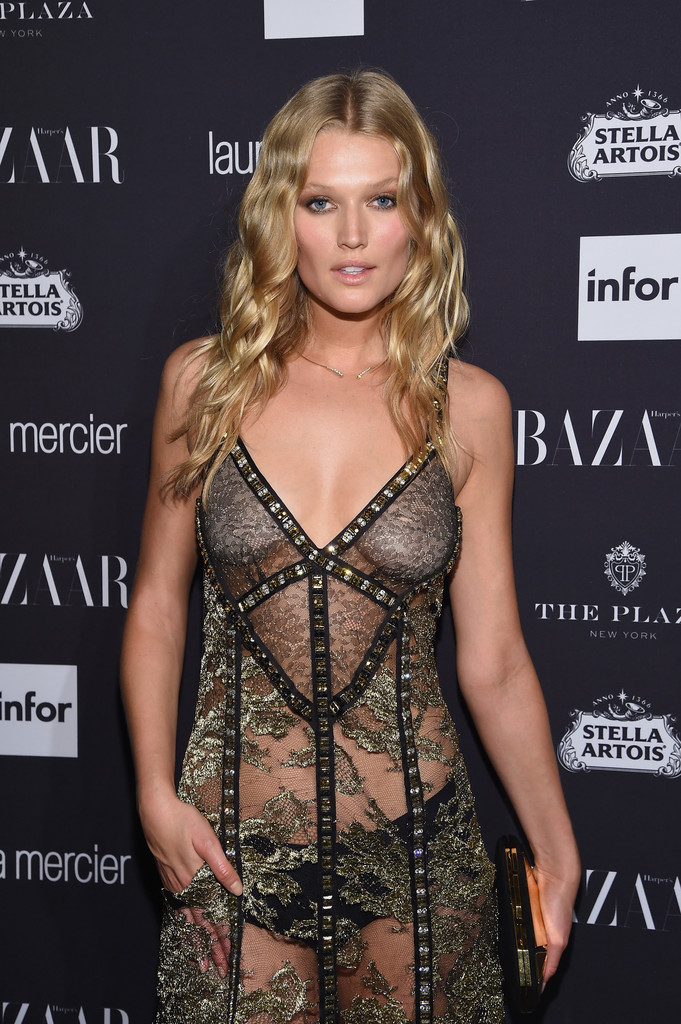 Toni Garrn See-through Ph...