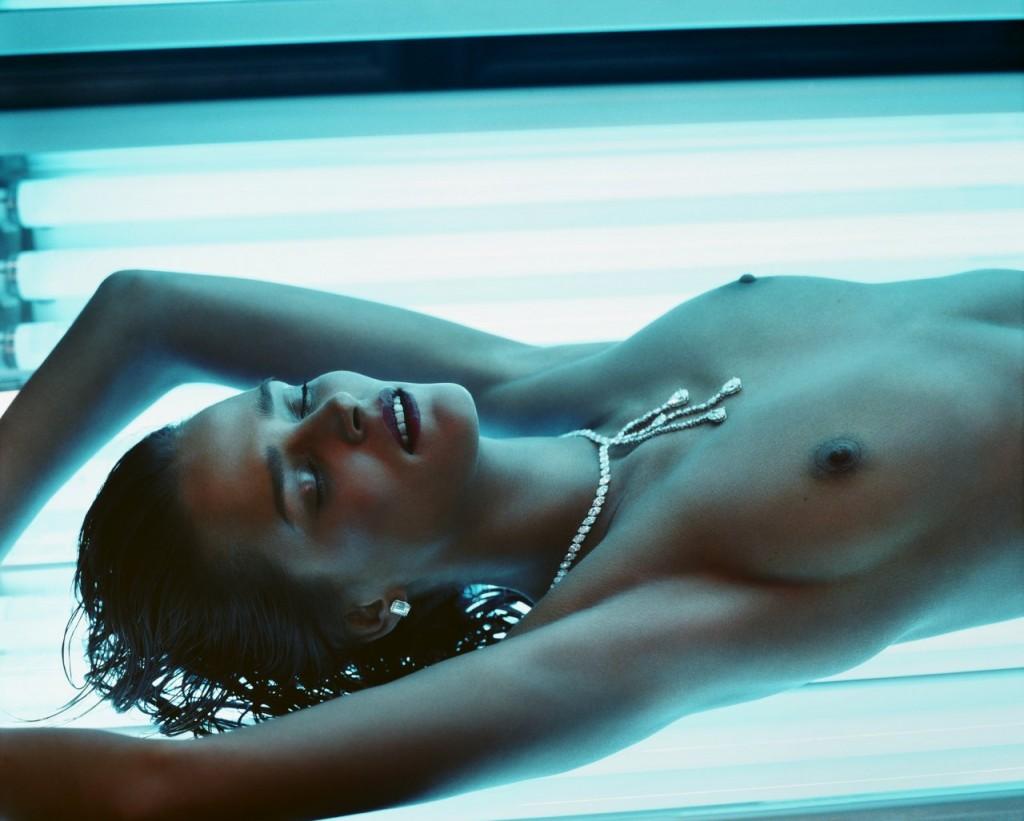 Topless Carmen Kass