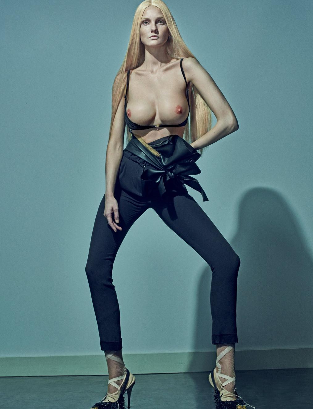 Topless Caroline Trentini...