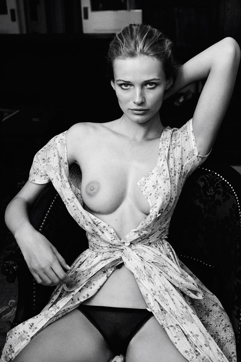 Topless Edita Vilkeviciut...