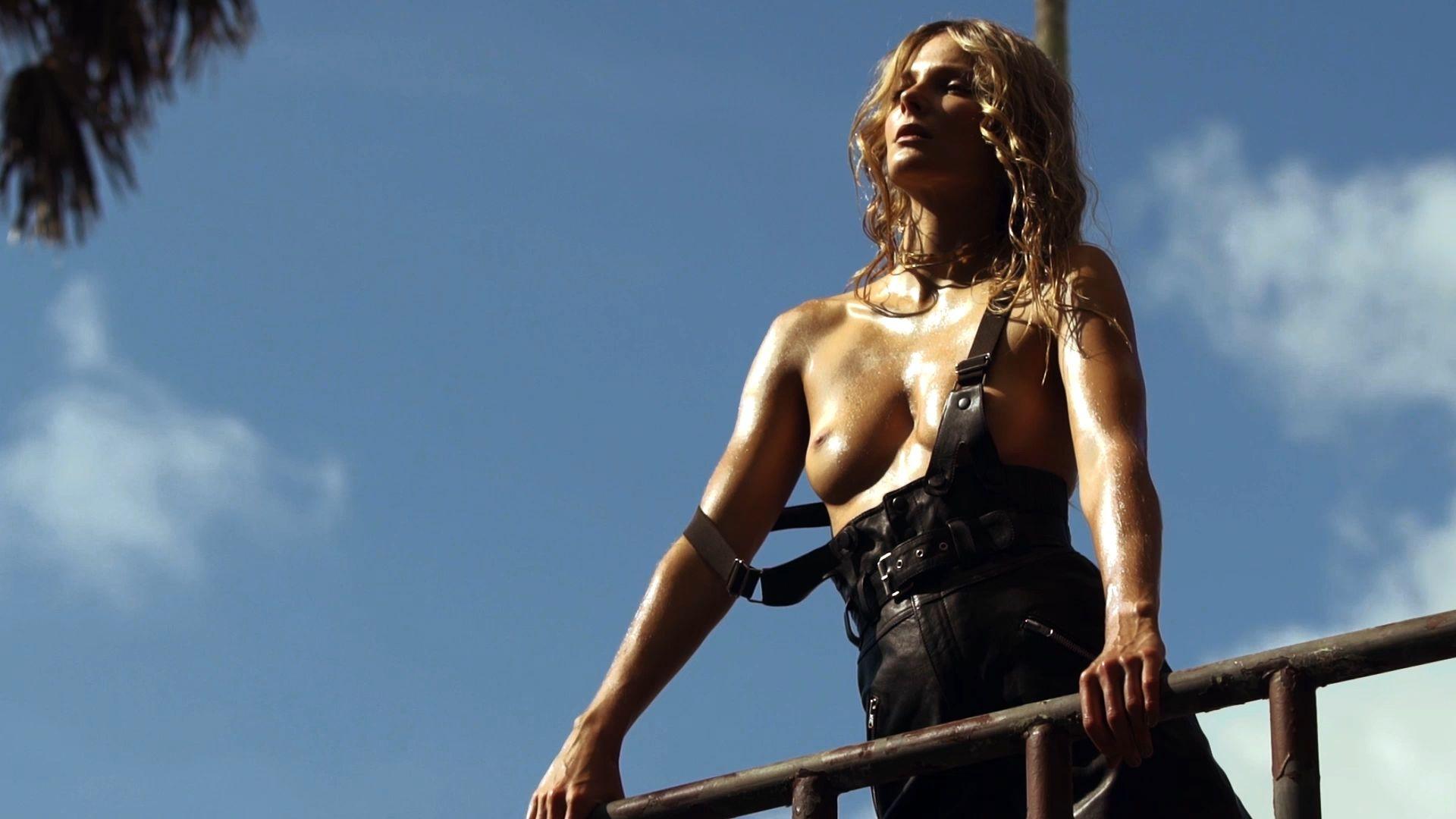 Topless Eniko Mihalik