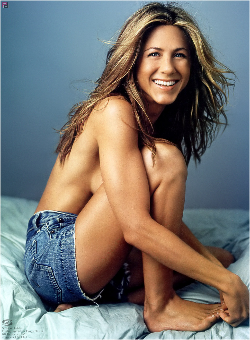 Topless Jennifer Aniston ...