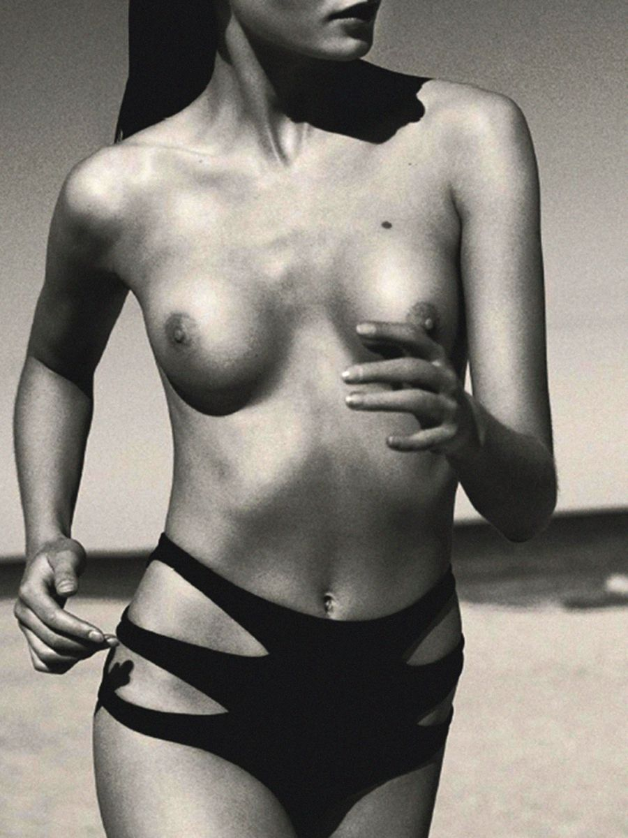 Topless Julija Steponavic...