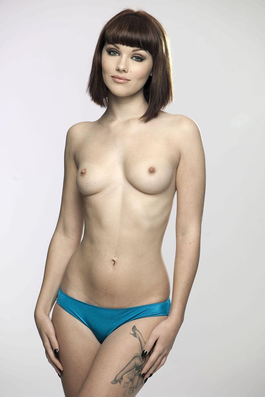 Topless Mellisa Clarke Pi...