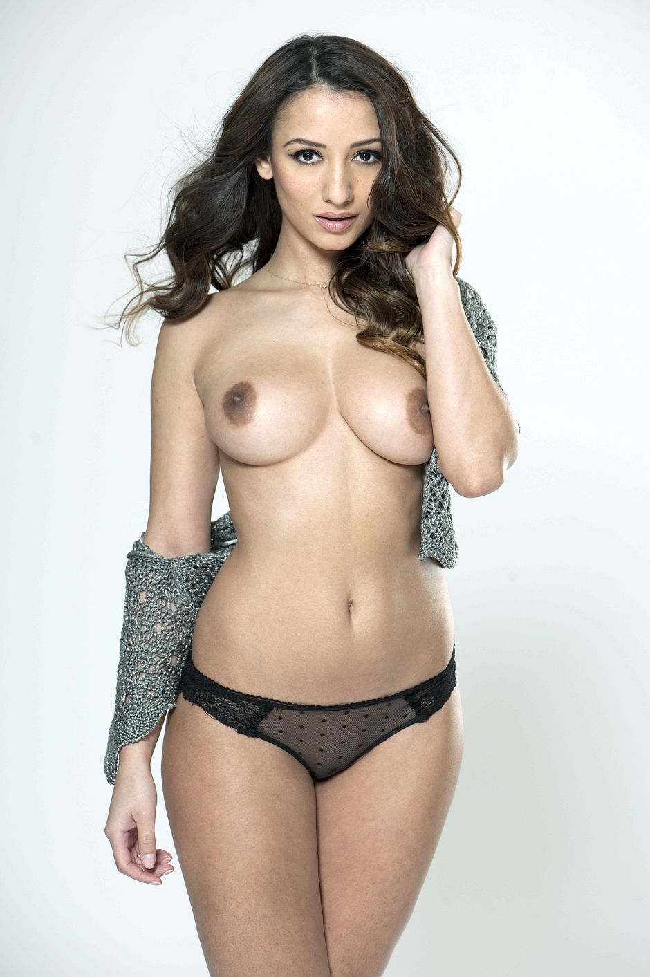 Topless Nicola Paul