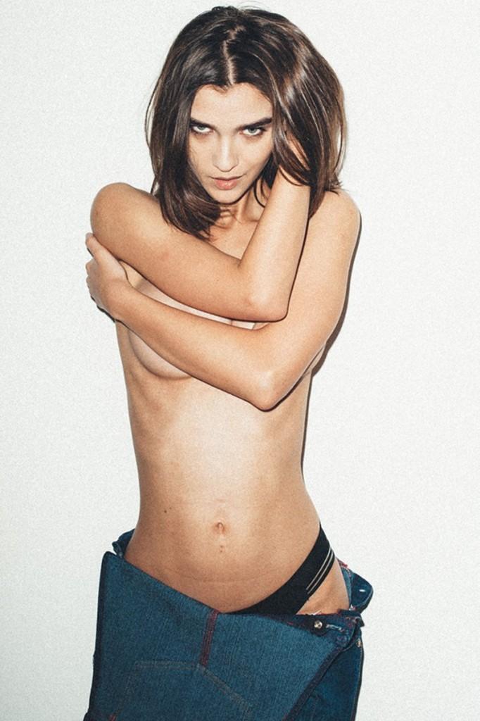 Topless Paula Bulczynska