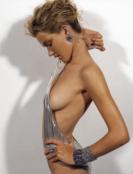 Topless Rosie Huntington-...