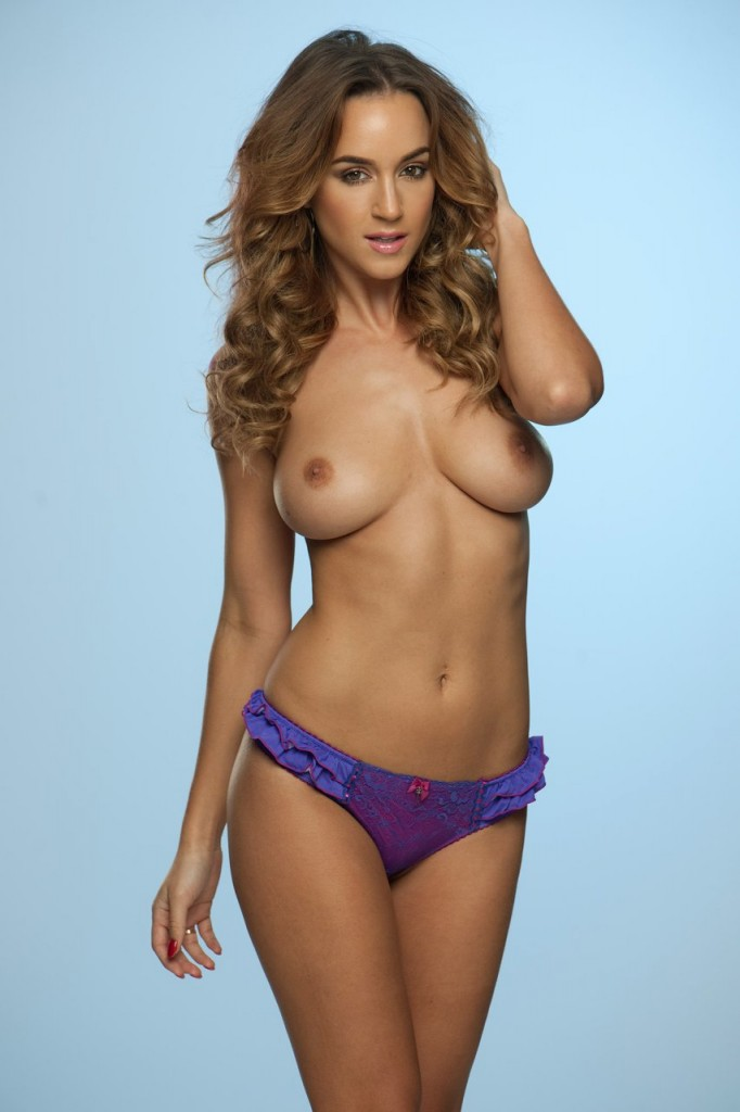 Topless Rosie Jones Photos 3