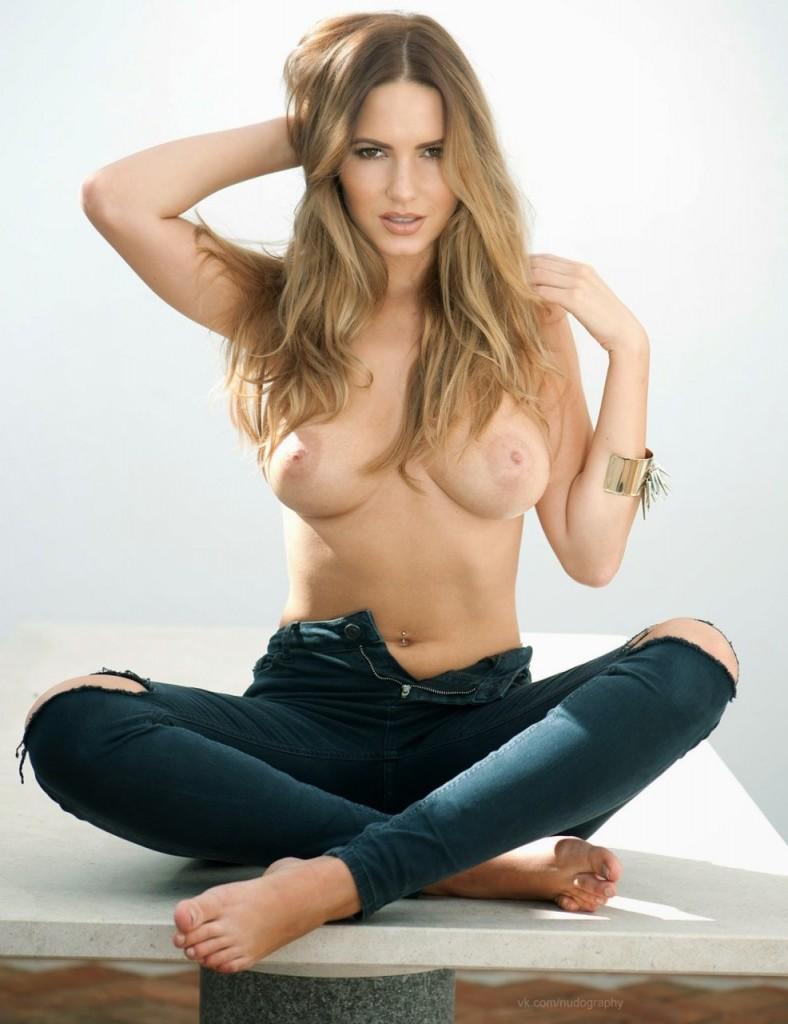 Topless Sabine Jemeljanov...
