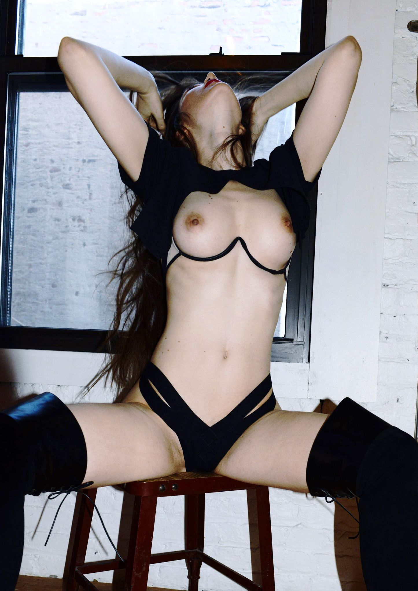 Topless Taryn Andreatta