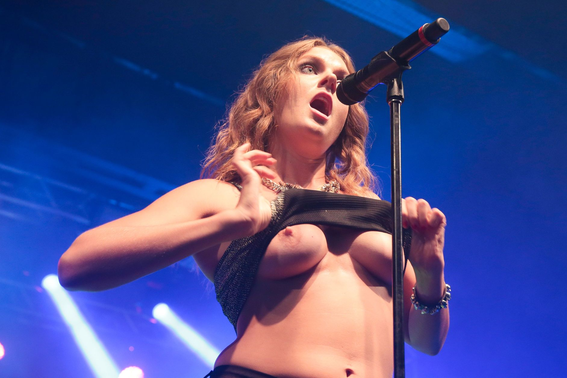 Tove Lo's Boobs Pic...