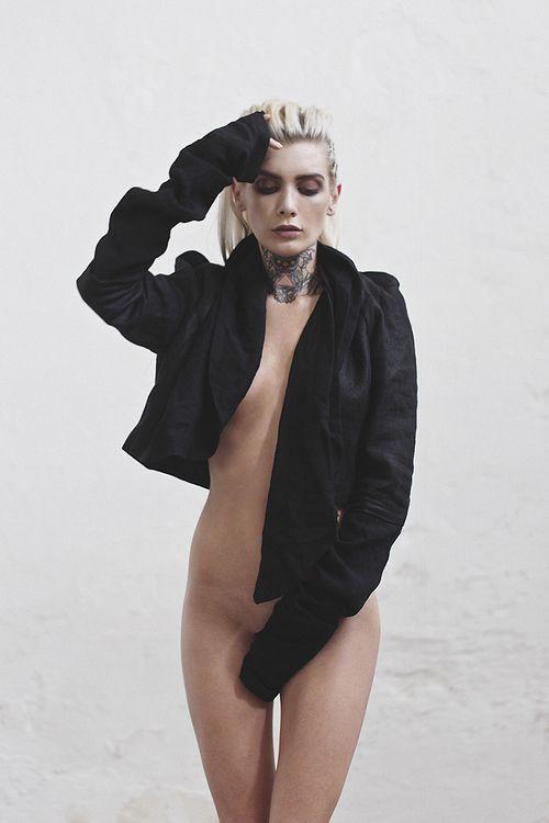 Valentina Belleza Nude Pi...