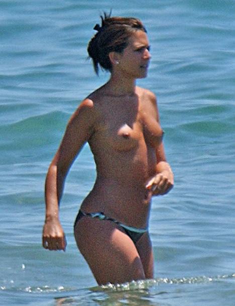 Vanessa Perroncel Topless...