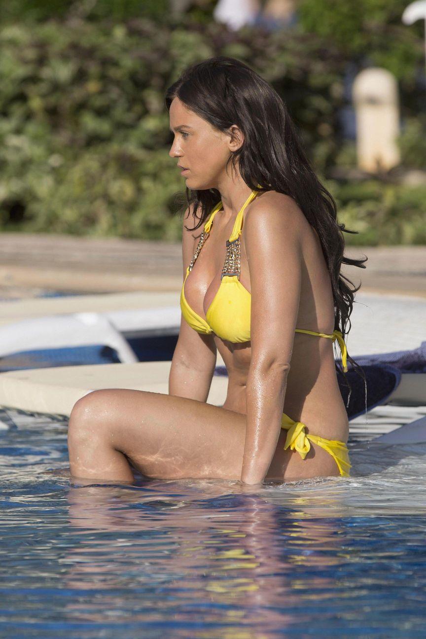 Vicky Pattison Sexy Bikini  2
