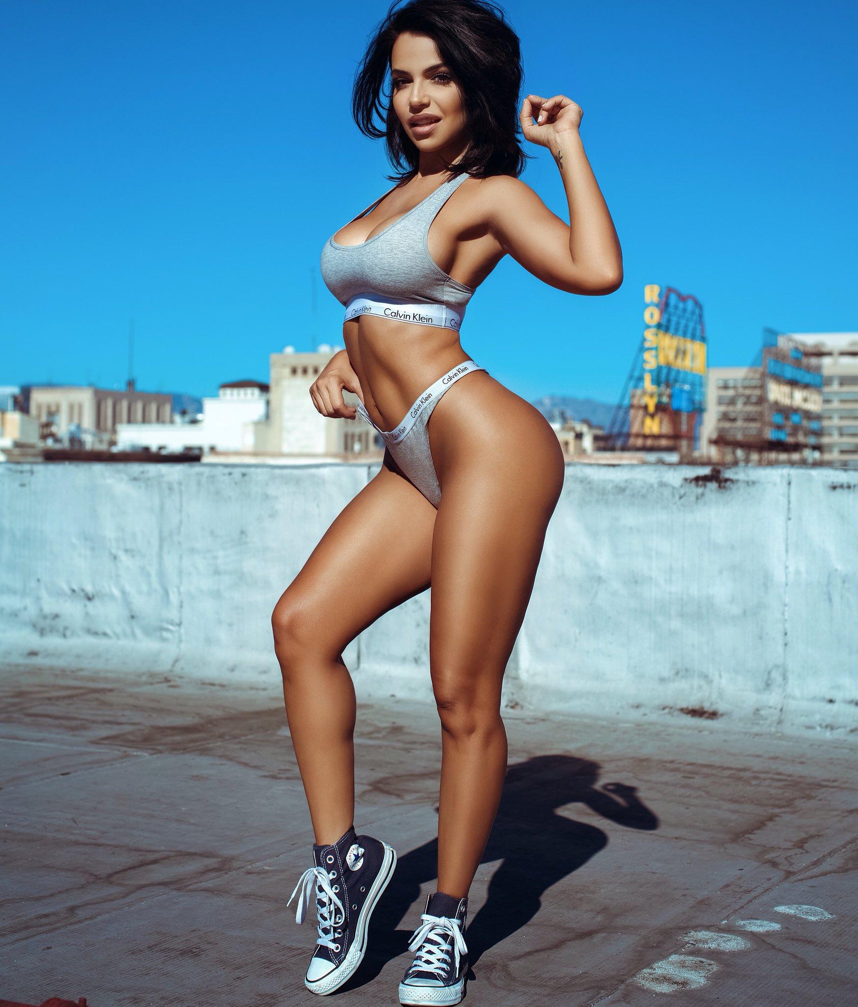 Sexy Pics Of Vida Guerra