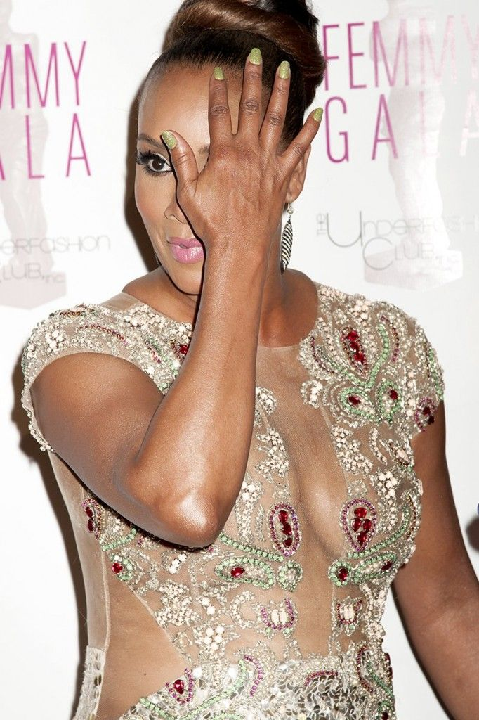 Vivica A. Fox Sexy Photos