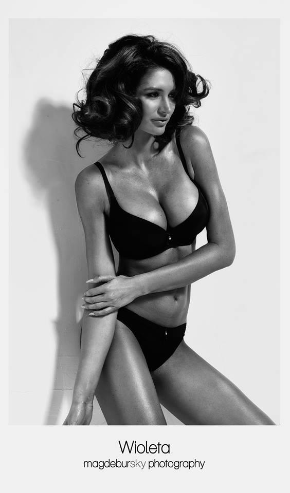 Topless Pics Of Wioleta B...