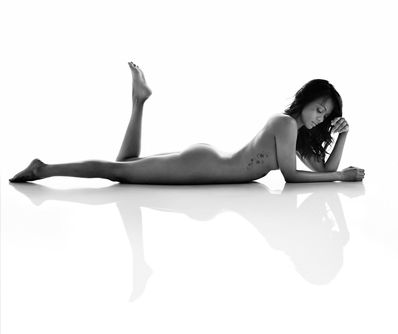 Zoe Saldana Nude Photo