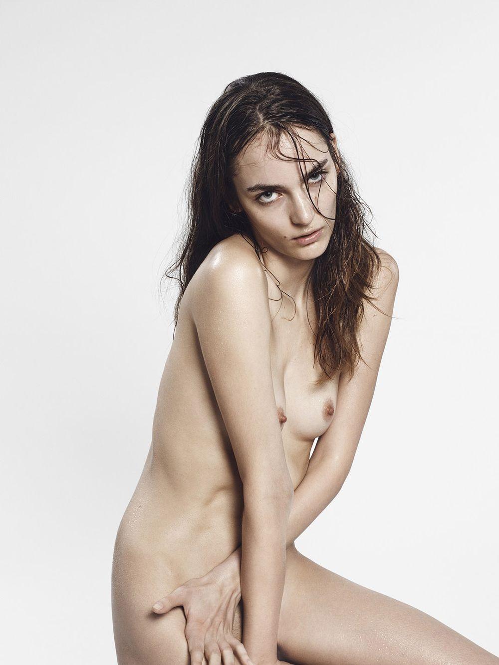 Zuzanna Bijoch Naked Phot...