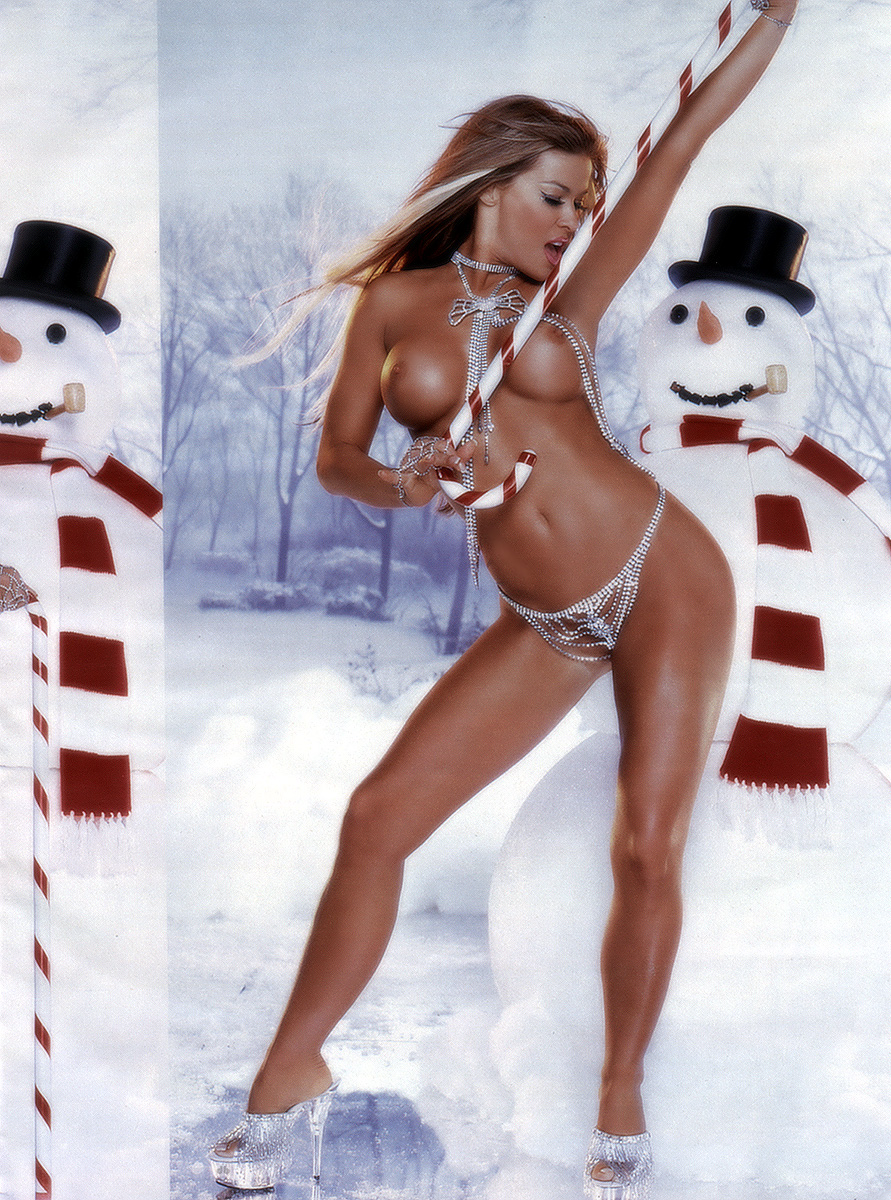 Nude carmen electra photos think