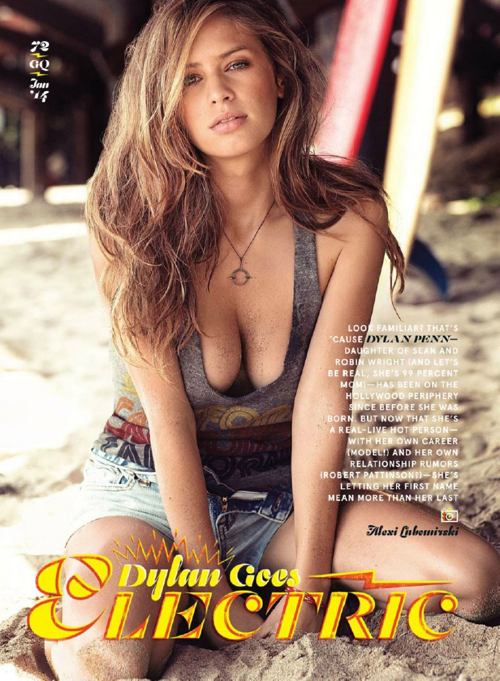 Dylan Penn Topless Pics
