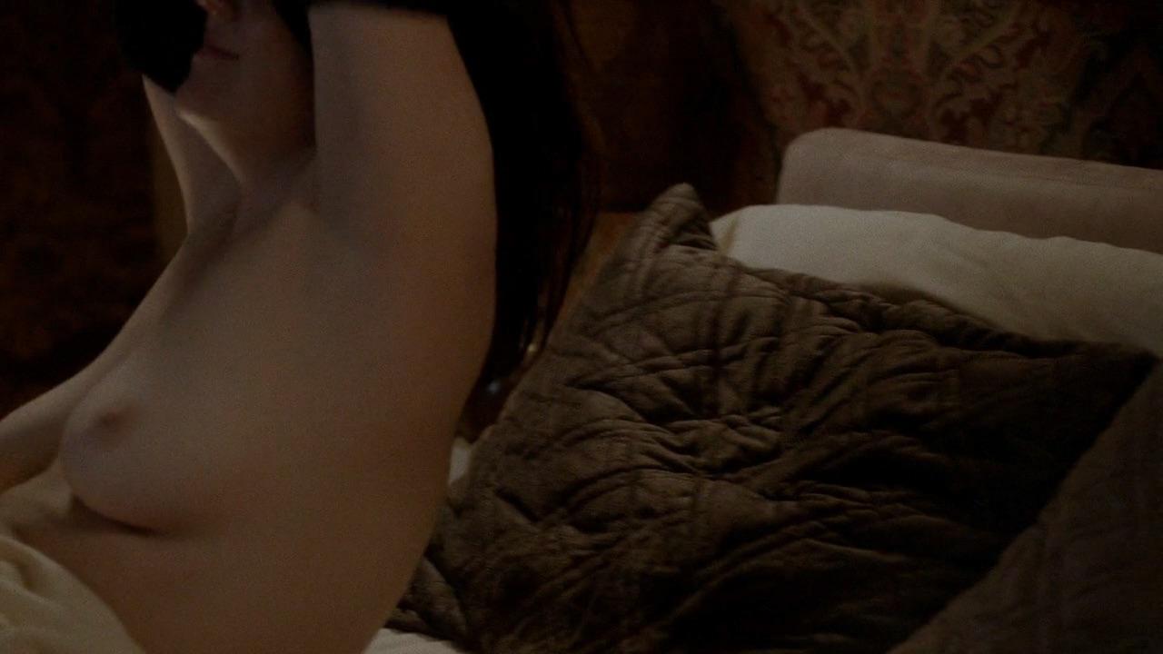 Melanie Lynskey Naked