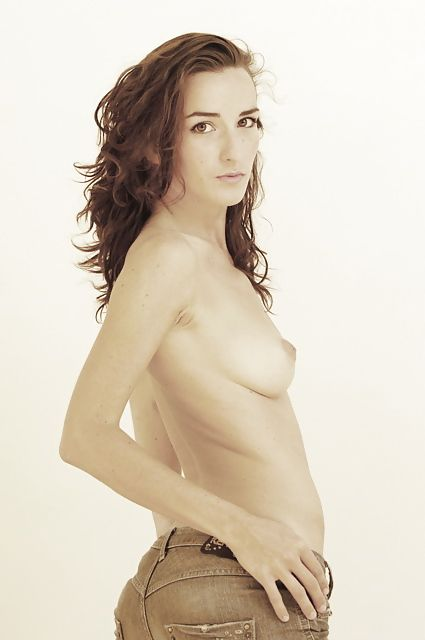Salomé Stévenin Naked P...